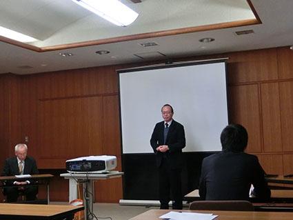 公聴会を始める前の研究科長の多田先生のあいさつです
