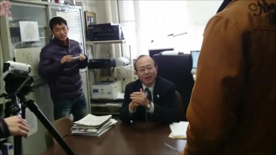 理工学部長の多田先生の撮影中です